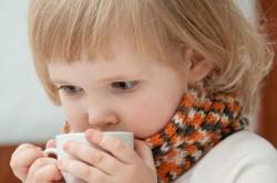 Обильное теплое питье при сухом кашле